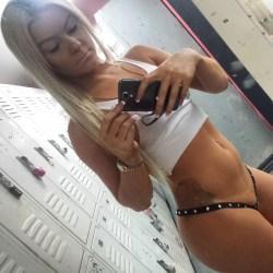 Lunch Time Stripper Selfie – Strip Club Blog
