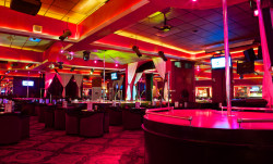 The World Famous Landing Strip Gentlemen's Club | Austin Texas